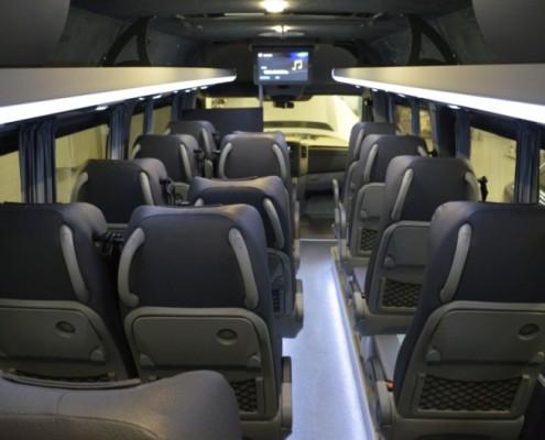 Автобус междугородный Фольксваген Крафтер